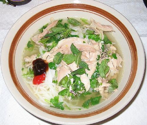 Vietnamská polievka (Wikipedia)
