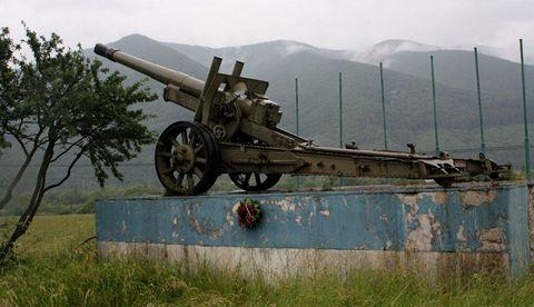 ... začali sme pri pamätníku bojov o Strečniansku tiesňavu ...