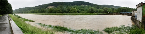 rieka Hornád, sídlisko Nad Jazerom, Košice (panoráma)