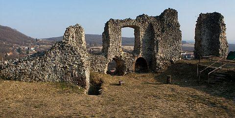 ... hrad Modrý Kameň ...