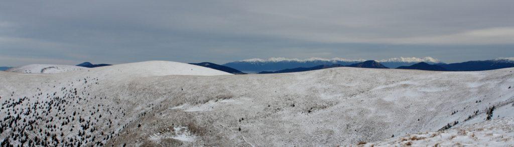 hrebeň Veľkej Fatry a výhľad na Vysoké Tatry